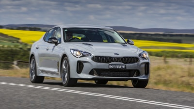 2017 Kia Stinger Si new car review