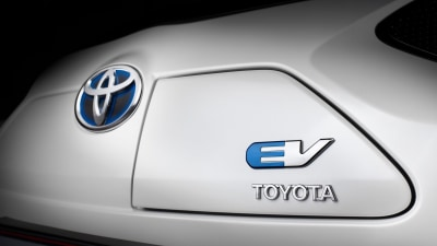 Toyota To Introduce Volume-Selling Electric Vehicle By 2020