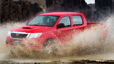 Toyota Oz Waves Off 800,000th HiLux