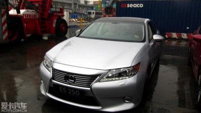 2013 Lexus ES Surfaces In China