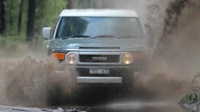 Toyota FJ Cruiser Automatic Review