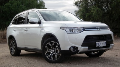 Mitsubishi Outlander PHEV Aspire 'Highway Travel' Review