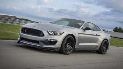Ford builds the last Mustang Shelby GT350
