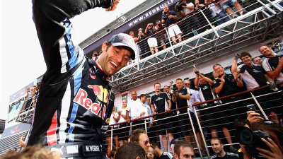 F1: Webber Warming Seat For Red Bull's Charging Hopefuls