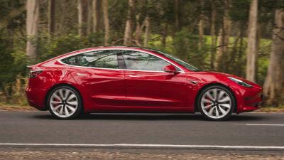Tesla cars can now drive themselves across a car park