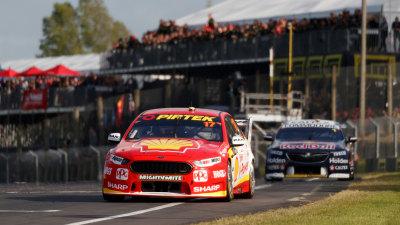 Motorsport: Supercars title rivals split NZ wins
