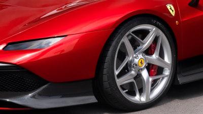 Bespoke Ferrari pays tribute to legendary F40