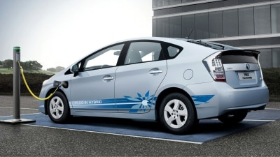 Toyota Trialling Prius PHEV Vehicle-To-Home Power System