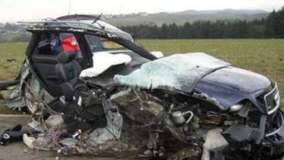 Audi RS4 crash
