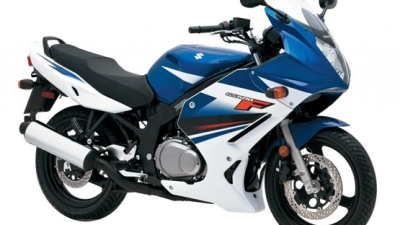 2009 GS500F And GS500: Suzuki Chips In For On-Road Costs
