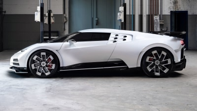 Bugatti Centodieci officially unveiled