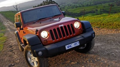 2009 Jeep Wrangler Gets Off-Road Pack For Petrol And Diesel Sports Models