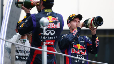 2013 Malaysian F1 GP: Vettel Steals Victory As Webber Looks On