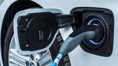 UK discourages plug-in hybrid charging