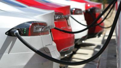 Tesla Model S – No More 85 Models For Australia; 'Supercharging Stations' Head North