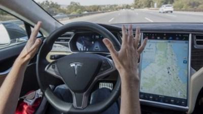Mercedes takes aim at Tesla