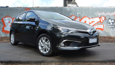2016 Toyota Corolla Hybrid REVIEW | The 'No-Downsides-Here' Hybrid