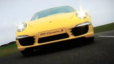2012 Porsche 911 Slices Up Silverstone: Video