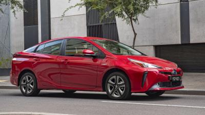 Toyota updates Prius hybrid