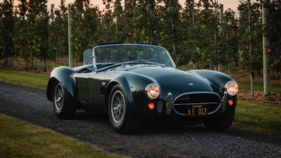 Carroll Shelby's personal 1965 Shelby 427 Cobra Roadster sells for US$5.94 million at auction