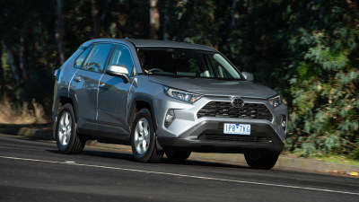 2019 Toyota RAV4 GX manual review