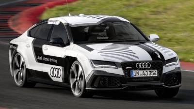 Audi Reveals Driverless RS7: Video