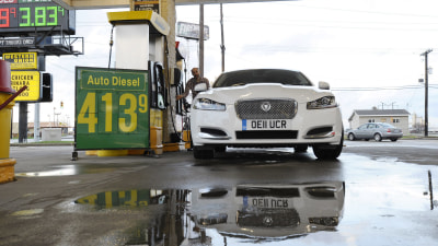Jaguar XF 2.2 Diesel Smashes Fuel Economy Figures On US Road Trip