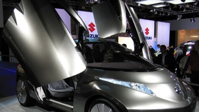 Nissan To Mass Produce Electric Vehicles By 2012