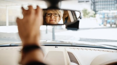 One in five middle-aged drivers struggle to read road signs, study finds