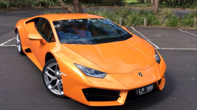 2016 Lamborghini Huracan LP580-2 REVIEW - A Motoring Enthusiast's Dream | Killer Looks And A Herculean V10 Engine