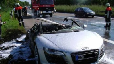 Audi R8 - another mid-engined supercar fire