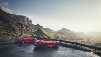 Porsche reveals 718 Boxster T and 718 Cayman T