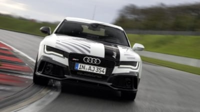Hot lap in Audi's self-driving RS7