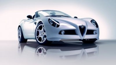 Alfa Romeo 8C Competizione Spider production car to debut in Geneva