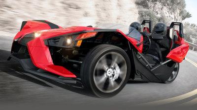Polaris Slingshot Revealed: Wild Three-wheeled Performer Surfaces - Video