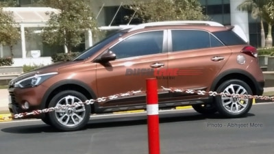 Hyundai i20 Active Crossover Spied In India