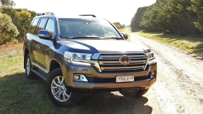 2016 Toyota Landcruiser Sahara Diesel REVIEW, Price, Features | Rugged, Huge, Comfortable... And Still The Best