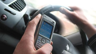 Texting While Driving Increases Crash Risk By 23 Times: Study