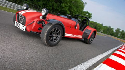Caterham Presents Revised Superlight R300 And Roadsport 175