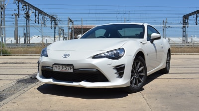 2017 Toyota 86 GT REVIEW - Minor Updates for Toyota's Driver-Focused Coupe