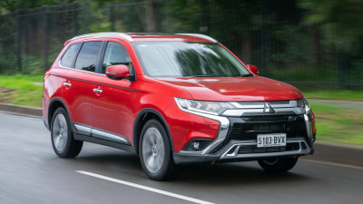 2019 Mitsubishi Outlander Exceed Steve says, Ali says