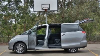 2017 Toyota Tarago Ultima REVIEW - Ageing Family-Hauler Gets a Facelift