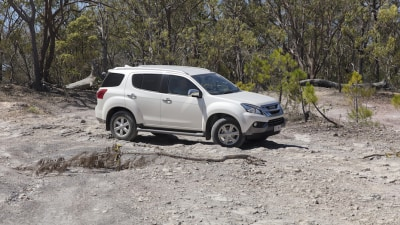 2017 Isuzu MU-X Updated With New Engine - Price And Features For Australia