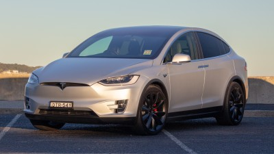 2018 Tesla Model X new car review