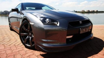 2010 Nissan R35 GT-R Loses Launch Control
