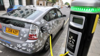 Toyota Testing Plug-In Hybrids With France's EDF Energy