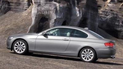 BMW 335xi - Twin-turbos combine with AWD