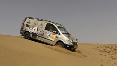 Mercedes-Benz Viano Scores Win At Rallye des Gazelles... Wait, What?