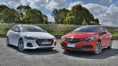 Hyundai Elantra SR v Holden Astra RS-V - Small 'n' Spicy Showdown