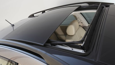 2010 Nissan Murano Gets Moonroof And Additional Equipment